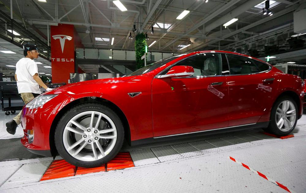 Возможно, топ-менеджер компании проговорился о новых технологиях Tesla.