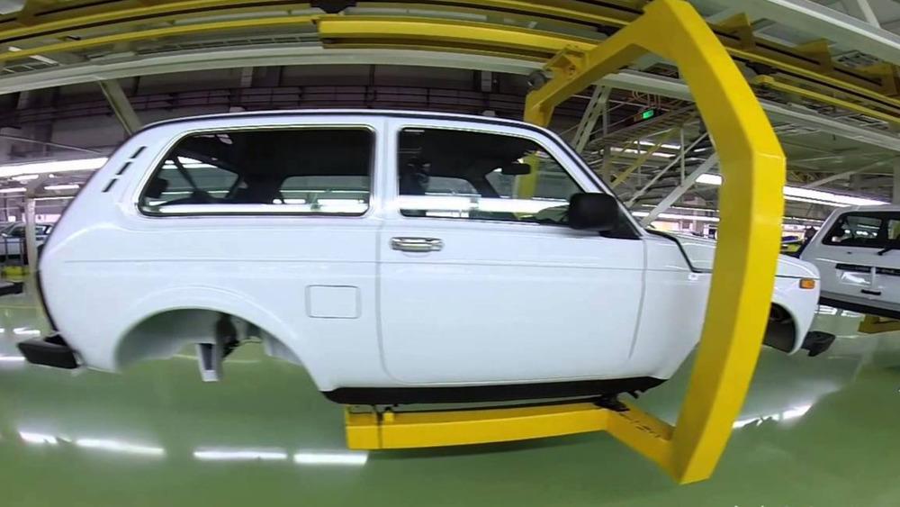 Сборку Lada 4x4 перенесут на главный конвейер.