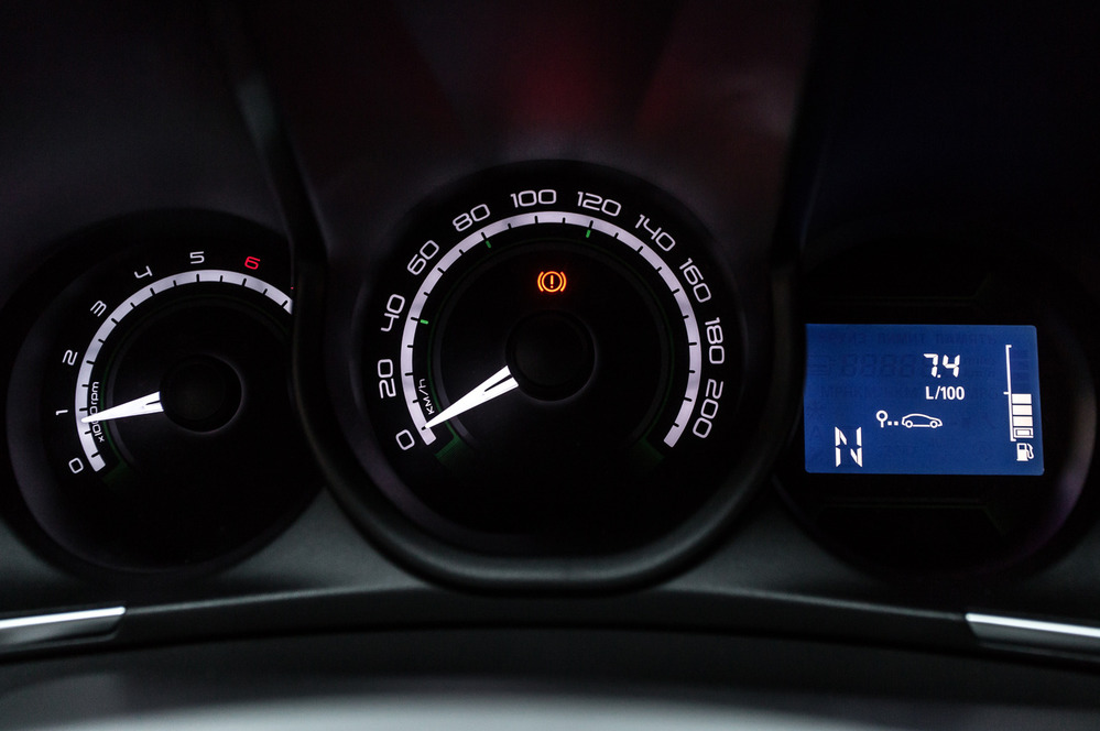 Сравнительный тест-драйв Lada XRAY с механикой и «роботом» от Am.ru