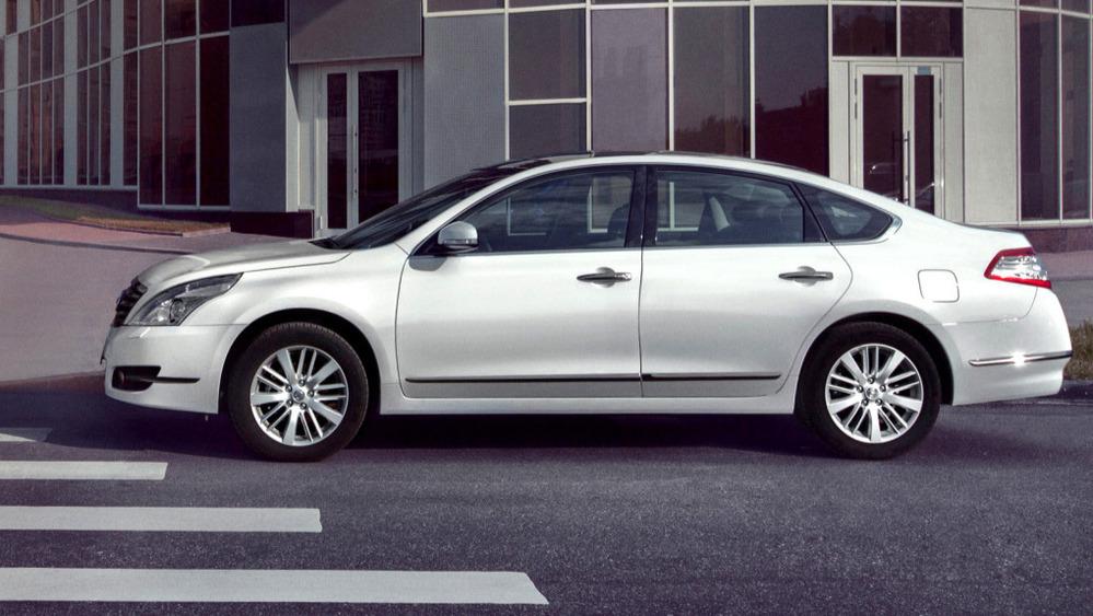 Сравнение автомобилей седан Nissan Teana J31 и седан Nissan Teana J31 рестайлинг