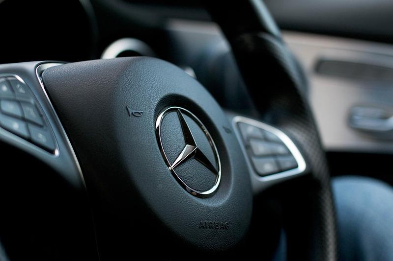 Mercedes отзывает в РФ неменее 12 тыс. авто