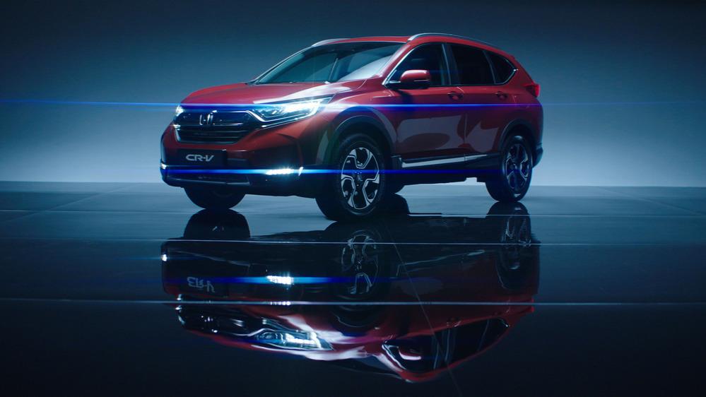 Honda озвучила цены на новую CR-V для России.