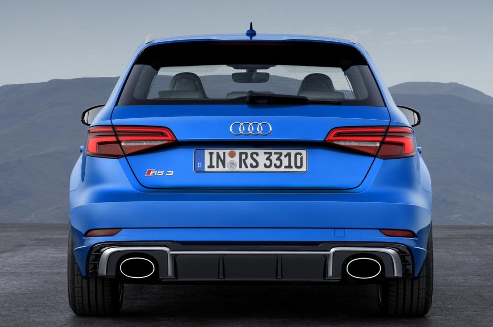 Фотогалерея обновлённого Audi RS3 Sportback.