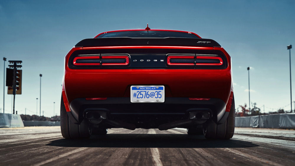 Вышел третий тизер Dodge Challenger Demon.