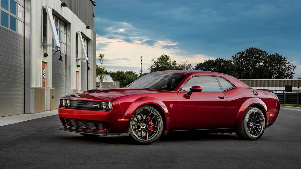 Dodge представил Challenger SRT Hellcat с расширенной коле