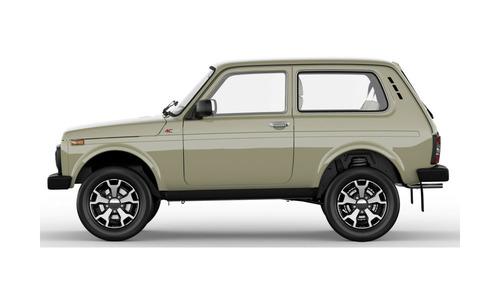 Юбилейная Lada 4x4 стоит минимум 558 900 рублей.