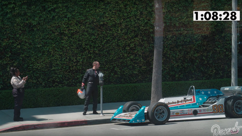 Парковочную службу Лос-Анджелеса разыграли, припарковав на улице гоночный болид – смотреть видео на Am.ru