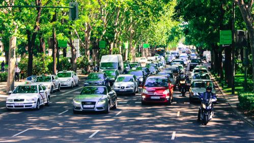 Барселона будет закрыта в будни для машин старше 20 лет.