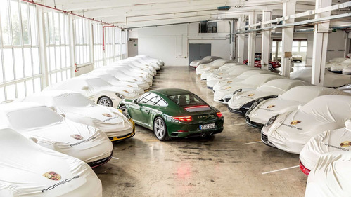У Porsche 911 большой юбилей.