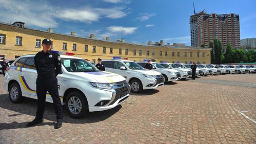Украинские полицейские пересядут на электрические Mitsubishi.