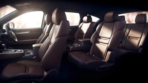 Mazda показала интерьер CX-8