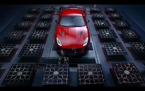 Jaguar превратил звук F-Type SVR в изображение.