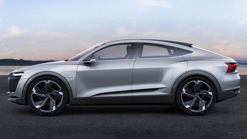 Фотогалерея Audi e-tron Sportback Concept.