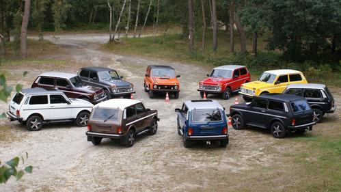 Фотогалерея семейства внедорожников Lada 4x4.