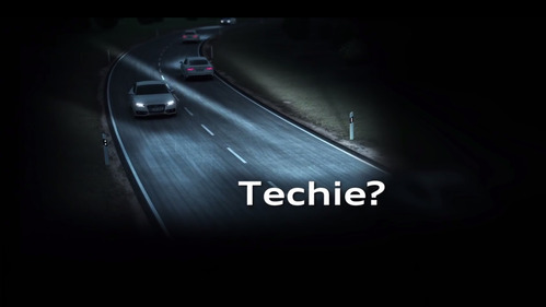 Видео о том, как работают матричные диодные фары новой Audi Q5.
