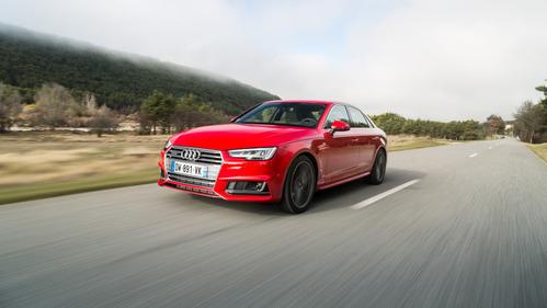 У четырёх моделей Audi vjжет засориться и перегреться насос охлаждающей жидкости.