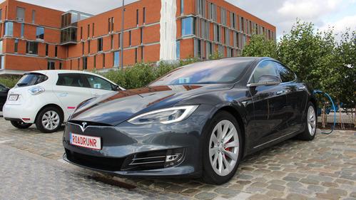 Бельгийцы проехали на Tesla Model S 100D более 900 км.Новости Am.ru