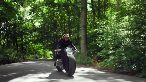 BMW показала прототип мотоцикла будущего.