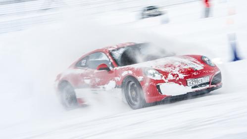 Тест моделей Porsche на снегу – читать и смотреть фото на Am.ru