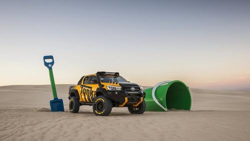 Официальные фотографии Toyota Hilux Tonka Concept