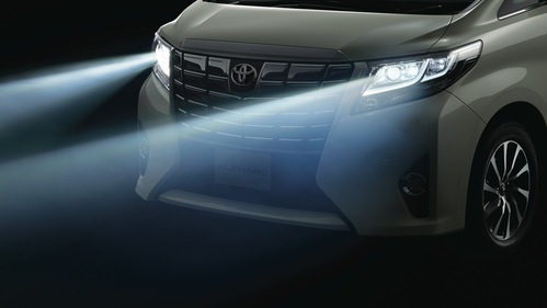 Сравнительный обзор второго и третьего поколений Toyota Alphard