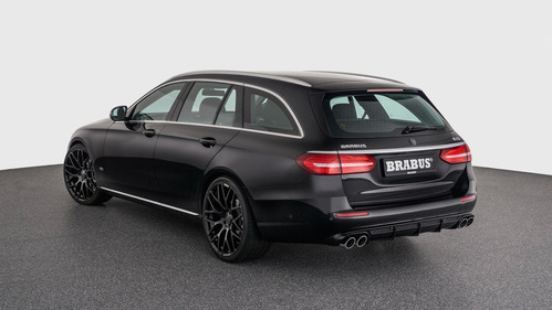 Brabus улучшил универсалы Mercedes-Benz E-Class.