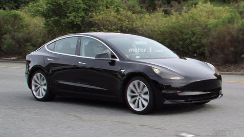 Финальный вариант Tesla Model 3 рассекречен в США.