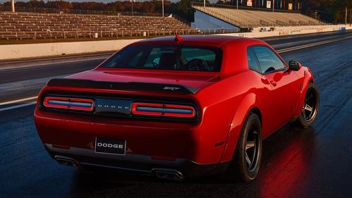 Американские журналисты потребовали запретить Dodge Challenger SRT Demon выезжать на дороги.