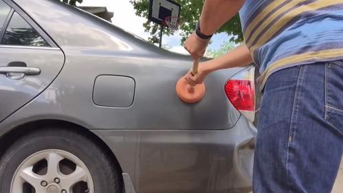 Невероятные возможности вантуза и обычной горячей воды в ремонте авто.