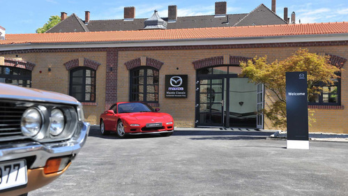 45  легендарных Mazda выставили на показ в Германии