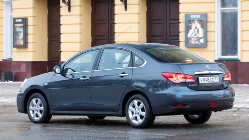 Nissan Almera отзывают из-за риска отсоединения заднего стекла.Новости Am.ru