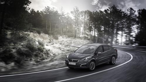 Фотогалерея обновлённого Peugeot 408.