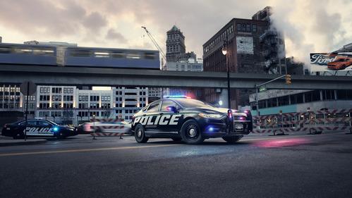 Фотогалерея Ford Police Responder Hybrid Sedan.