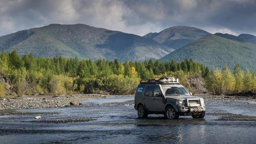Land Rover выпустил видео по итогам 4 лет проекта экспедиций «Открывая Россию»
