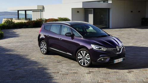 Компактвэн Renault Scenic получил исполнение Initiale Paris.