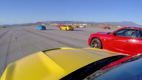 В Штатах на четверти мили встретились 12 крутейших спорткаров.