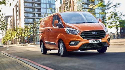 Ford обновил фургон Transit Custom.