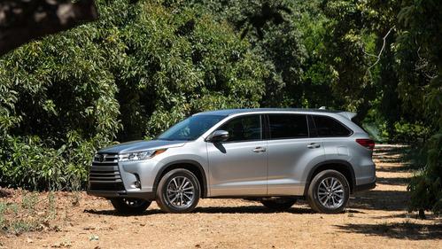 Официальные фотографии обновлённой Toyota Highlander - смотреть фото на Am.ru.