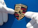 Работникам  Porsche по итогам года положена солидная премия.